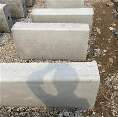 Bó vỉa bê tông 18x53x100 - Bê tông Tâm An